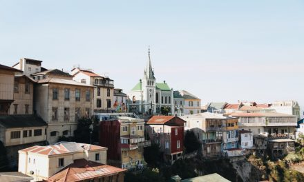 Las dos capitales chilenas: Valparaíso náutico y Santiago metropolitano